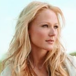 Where to book the famous musician Jewel ProBookings.com