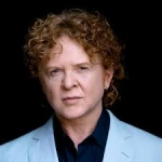 where to book the famous singer Simply Red - ProBookings.com